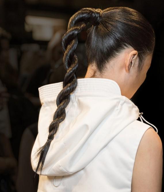 تسريحات شعر جديدة مميزة وسهلة lo3m1445043963_137.jpg