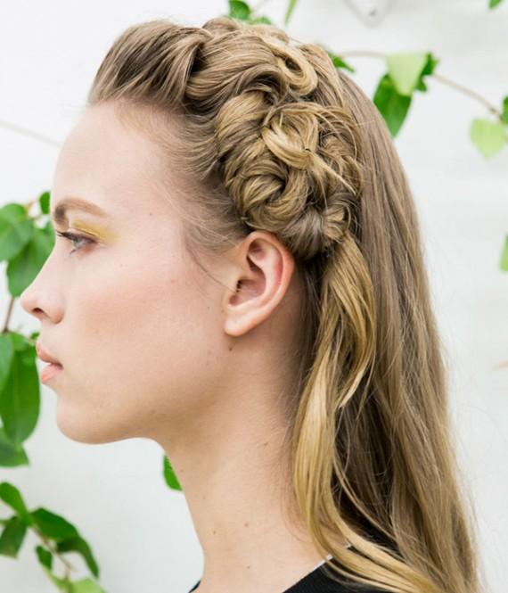 تسريحات شعر جديدة مميزة وسهلة lo3m1445043964_324.jpg