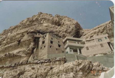 الدير المعلق الدير-المعلق-1.jpg