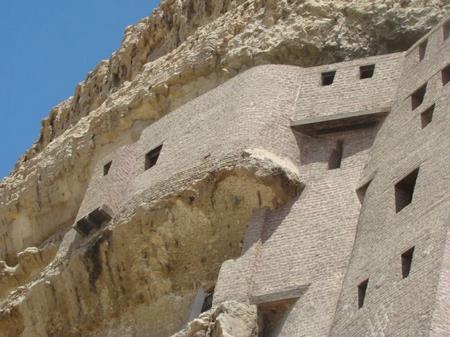 الدير المعلق الدير-المعلق-2.jpg