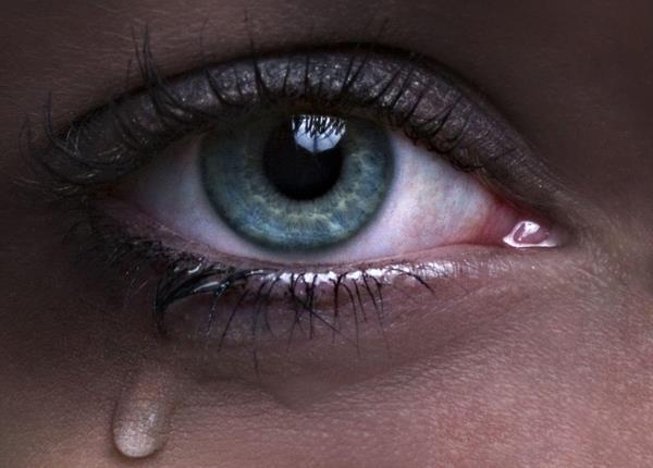 صور عيون حزينة صور-بنات-تبكي-1.jpg