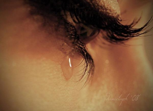 صور عيون حزينة صور-بنات-تبكي-2.jpg