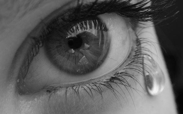 صور عيون حزينة صور-بنات-تبكي-5.jpg