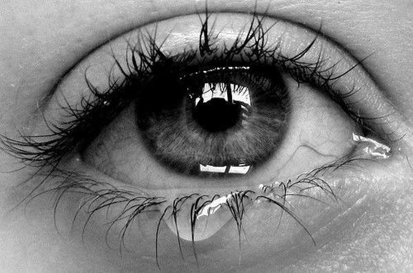 صور عيون حزينة صور-حزن-ودموع-4.jpg