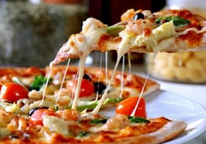 طريقة عمل البيتزا الموتزاريلا السريعة طريقة-عمل-البيتزا-الموزاريلا.jpg