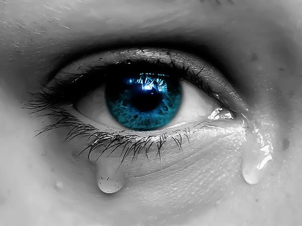صور عيون حزينة عيون-حزينة-1.jpg