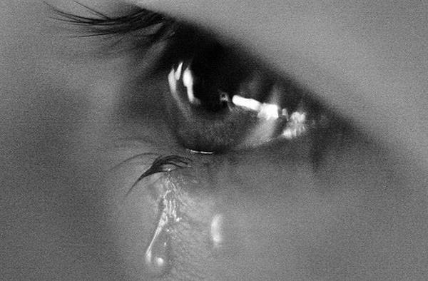 صور عيون حزينة عيون-حزينة-5.jpg
