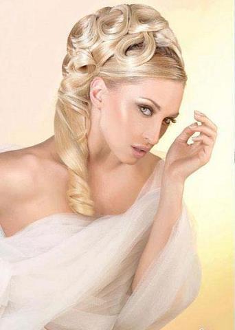 صور تسريحات شعر مميزة للعرايس تسريحات-شعر-عرائس-13.jpg