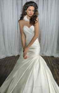 اجمل فساتين زفاف جديدة عصرية موضة lo3m.com_1378996089_594.jpg