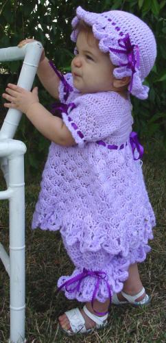 اجمل ملابس كروشية للاطفال الصغيرين lo3m1402403784_422.jpg