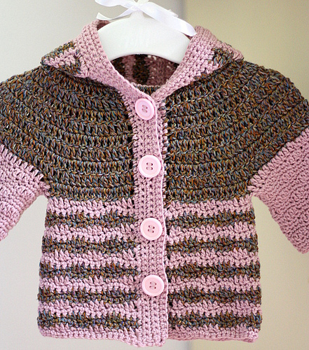 اجمل ملابس كروشية للاطفال الصغيرين lo3m1402403784_443.jpg
